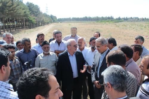 معاون وزیر نیرو:تصمیم استان در عدم تخصیص آب به منطقه شما نادرست بوده است .