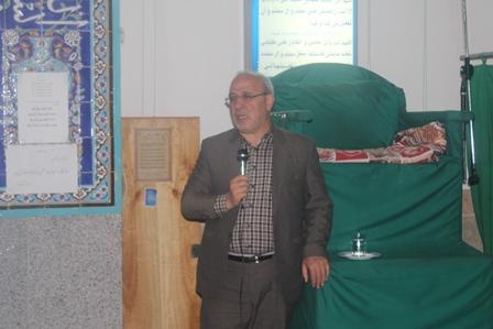 آقای حاجی در جمع مردم مسجد محمدیه حبیب آباد