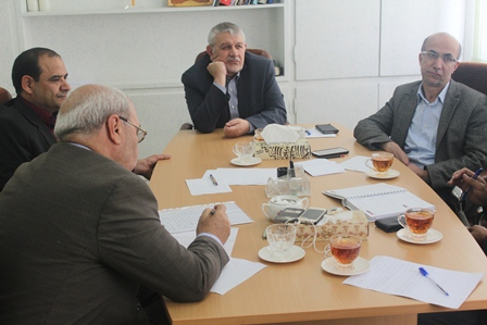 حاجی تأکید کرد:  مشکلات طرح تحول نظام سلامت در شهرستان برخوار رفع شود