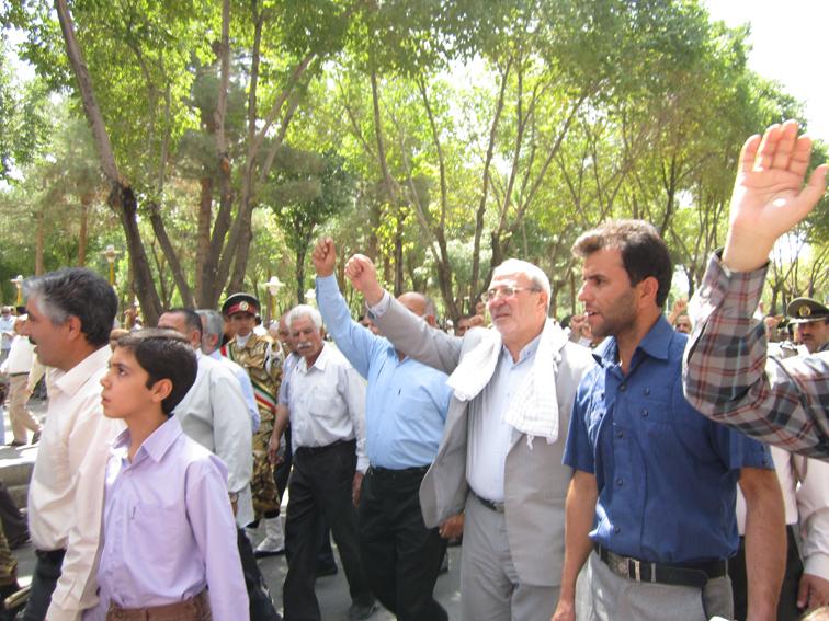نماینده شاهینشهر، میمه و برخوار در مجلس: پیام مردم ایران به غرب دست نکشیدن از روحیه ضداستکباری است