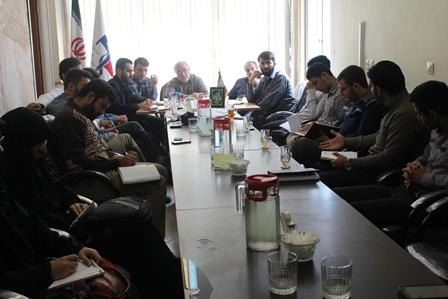 نشست صمیمی با نمایندگان بسیج دانشجویی دانشگاههای استان اصفهان