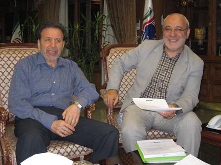آقای حاجی با وزیر محترم ارتباطات و فناوری اطلاعات دیدار کرد.