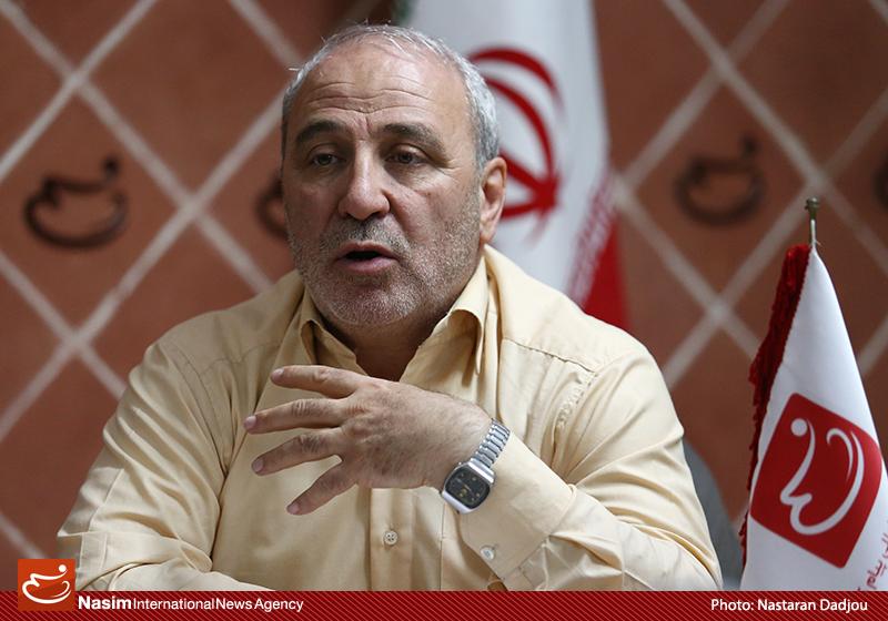 حاجی در گفتوگو با فارس: قرارداد با شرکت توتال حاکمیت ملی ما را خدشهدار میکند