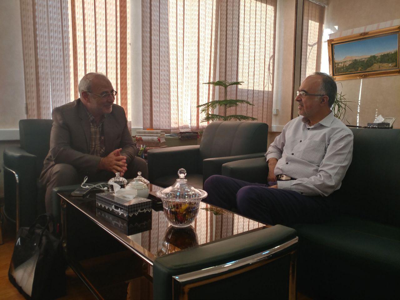دیدار آقای حاجی با سید هادی حسینی معاون وزیر فرهنگ و ارشاد اسلامی