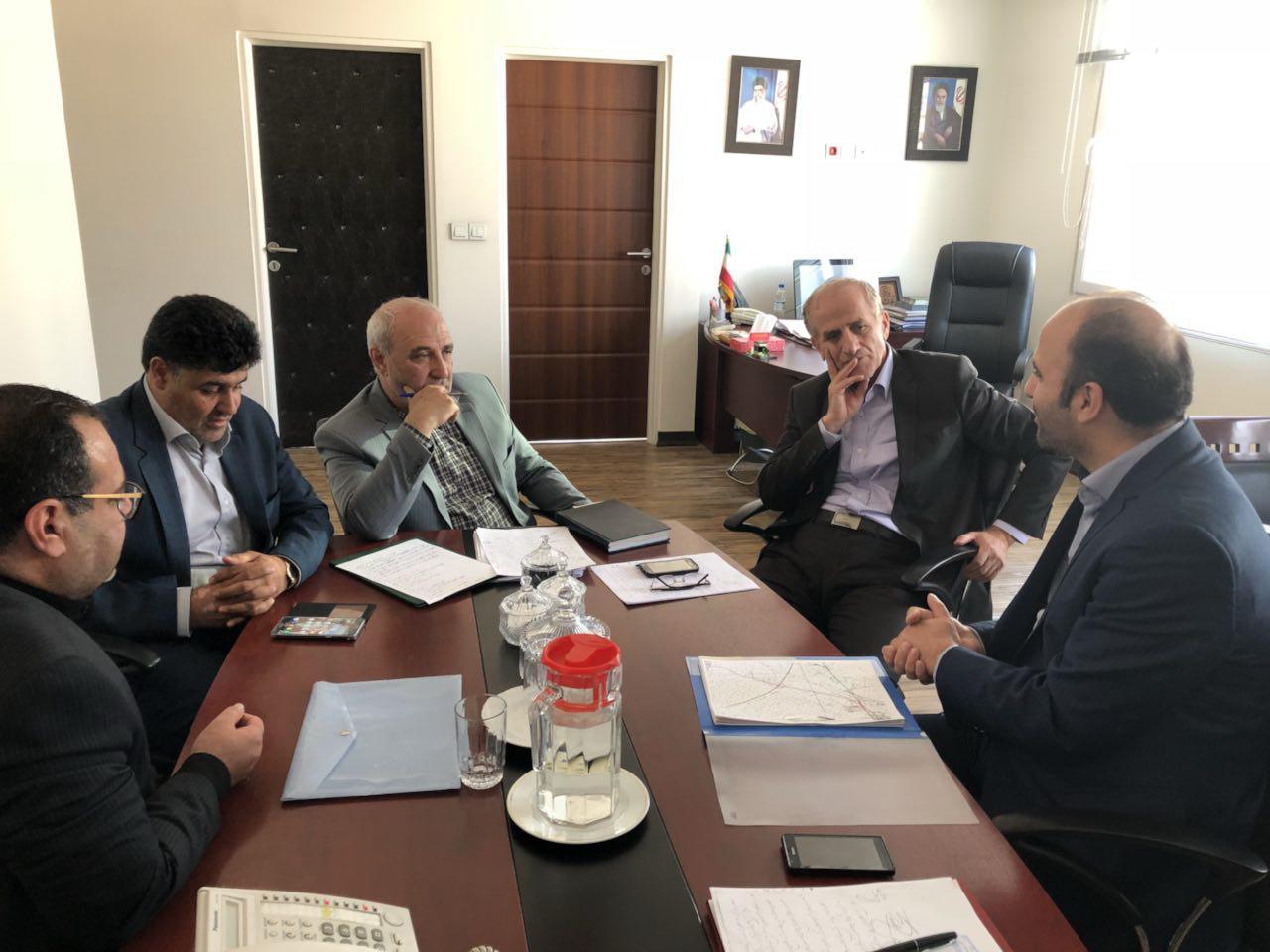 حسینعلی حاجی عصر امروز با حسن نیا معاون وزیر راه و رئیس سازمان راهداری کشور دیدار کرد