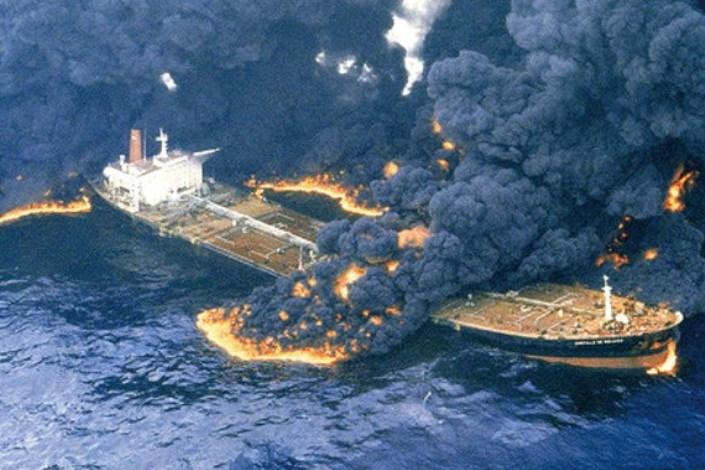 آقای حاجی مطرح کرد : سکوت وزارتخانه های نفت،و وزارت خارجه در تصادف کشتی سانچی