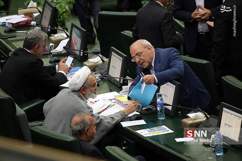 حاجی: گزارشی از تناقضات رئیس بانک مرکزی تهیه شد+صوت