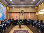 صوت – حسینعلی حاجی؛ جلسه امروز خود در کمیسیون رفع موانع تولید برای حل مشکلات تامین نخ تریکو دوزان برخوار خبر داد .