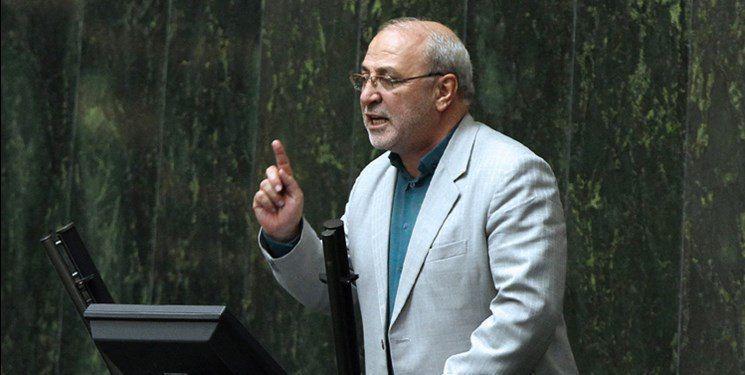 حاجی در تذکر شفاهی مطرح کرد؛ خروج دام های مولد خطری که کشور را تهدید می کند