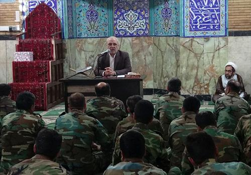 آقای حاجی دراجتماع ارتشیان گروه ۴۴ توپخانه در اصفهان:  ↙کشور به مدیران انقلابی برای اداره کشور نیازدارد.