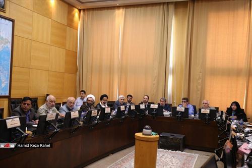 🔳عصر روز گذشته و در کمیسیون امور داخلی کشور و شوراها و با حضور وزیر کشور انجام شد :