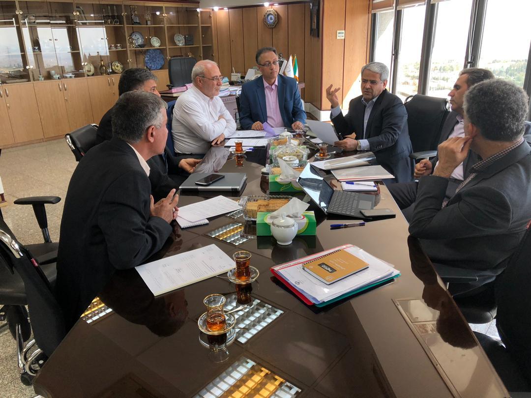 🔴حسینعلی حاجی با سید کامل تقوی نژاد معاون توسعه مدیریت و منابع وزارت بهداشت دیدار و گفتگو کرد.