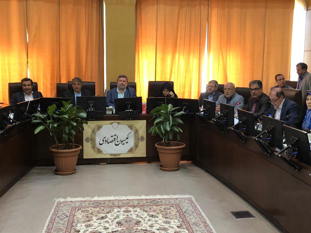 🔴🔊 صوت – سخنان آقای حاجی در دفاع از سهامداران بازار پایه / کمیسیون اقتصادی مجلس شورای اسلامی