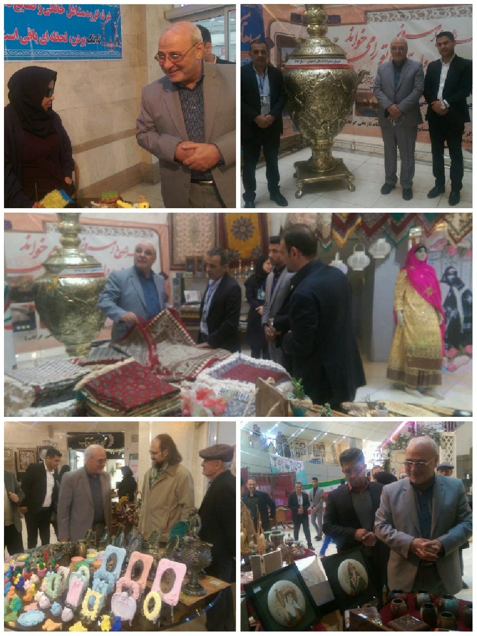 حسینعلی حاجی از نمایشگاه صنایع دستی در شاهین شهر دیدن کرد