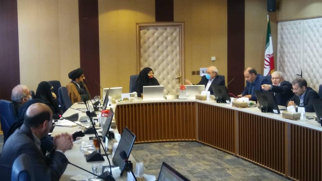 در جلسه صبح امروز جمعی از نمایندگان استان در دانشگاه علوم پزشکی اصفهان