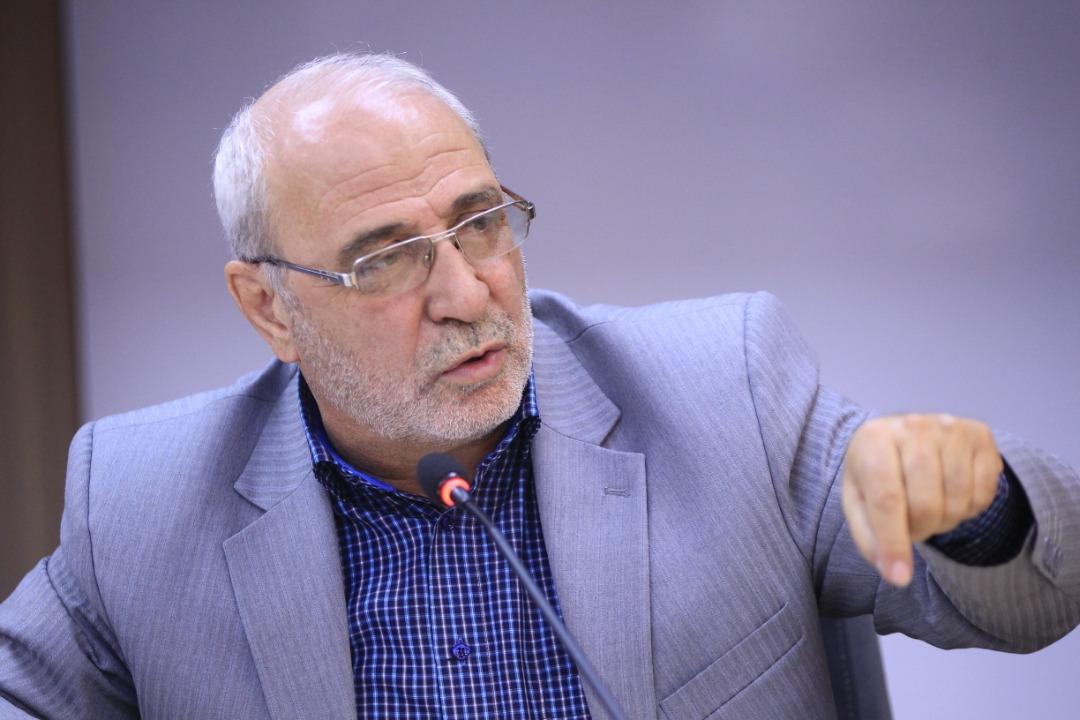 حاجی در گفتگو با الف مطرح کرد؛ اصرار روحانی به تفکیک وزارت صمت دلیل معرفی نکردن وزیر به مجلس است