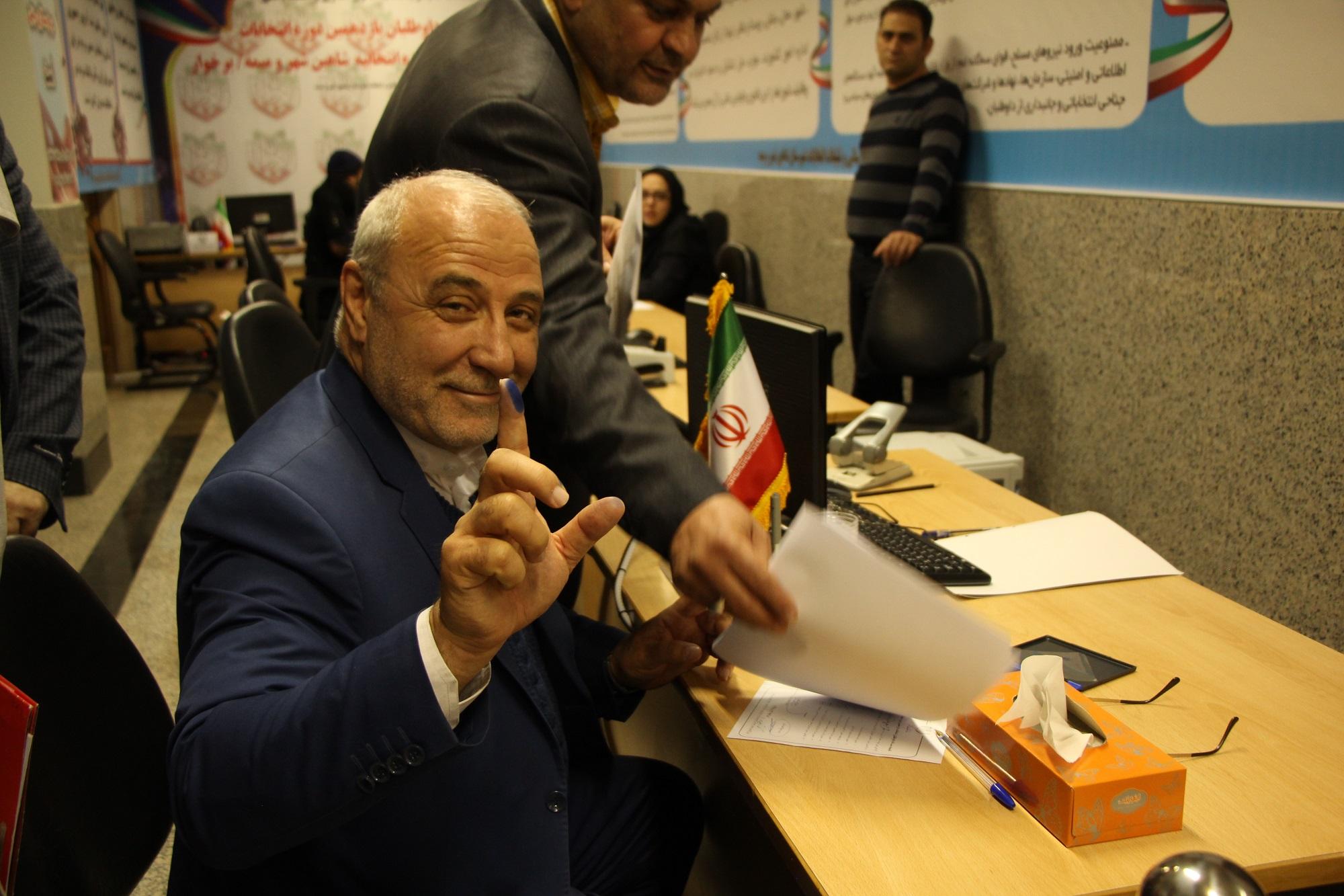 """اعتبار نامه """"حسینعلی حاجی"""" در شعبه نهم مجلس شورای اسلامی تایید گردید"""