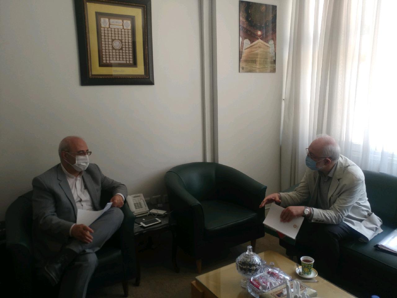 آقای مختار پور، دبیرکل نهاد کتابخانههای عمومی کشور با آقای حاجی دیدار کرد