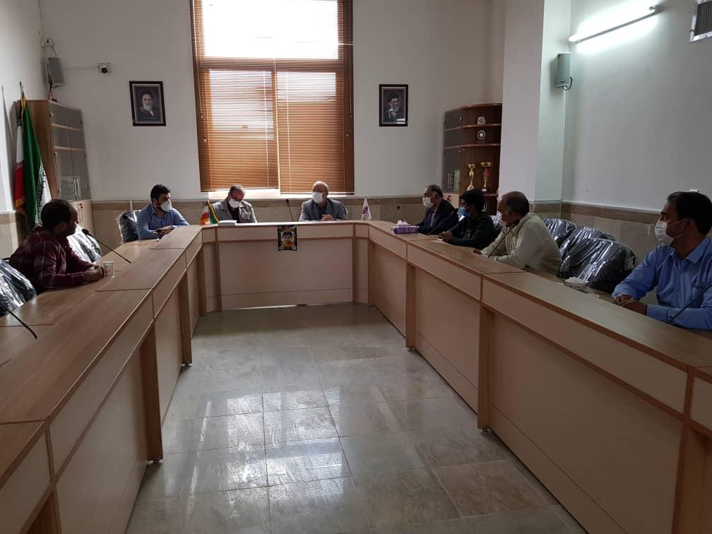 جلسه آقای حاجی با اعضای شورای اسلامی و دهیار روستای ازان