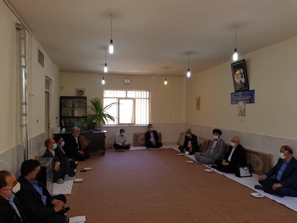 ملاقات عیدانه آقای حاجی با امام جمعه محترم حبیب آباد و جمعی از معتمدین این شهر